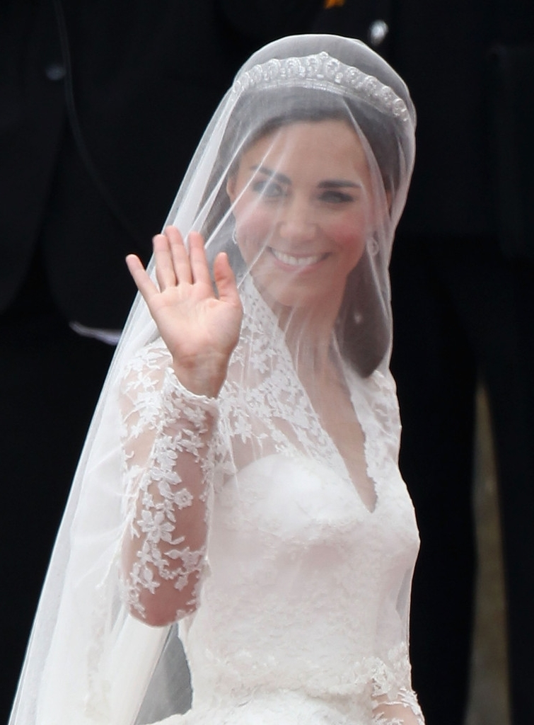 Pictures Of Wedding Hairstyles Veil And Tiara Intended For Wedding Hairstyles For Long Hair With Veils And Tiaras (View 8 of 15)