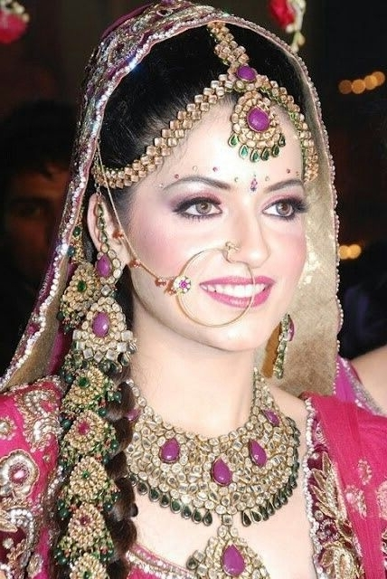 Pinemine Sahin On Faces   Pinterest   Indian Bridal, Punjabi Pertaining To North Indian Wedding Hairstyles For Long Hair (View 11 of 15)
