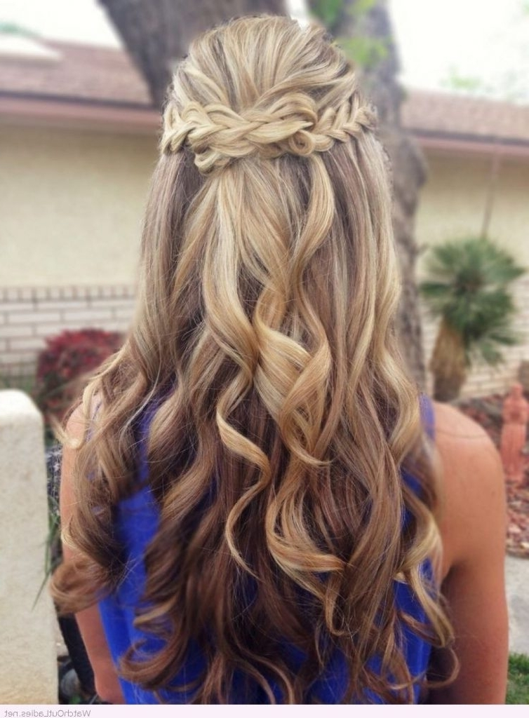 Pretty Long Hair Half Updos With Curls – Watch Out Ladies Within Hair Half Up Half Down Wedding Hairstyles Long Curly (View 15 of 15)