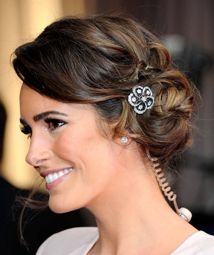 Short Asymmetrical Wedding Hairstyles – Beautiful Bride In Short Pertaining To Indian Wedding Hairstyles For Short Curly Hair (View 12 of 15)
