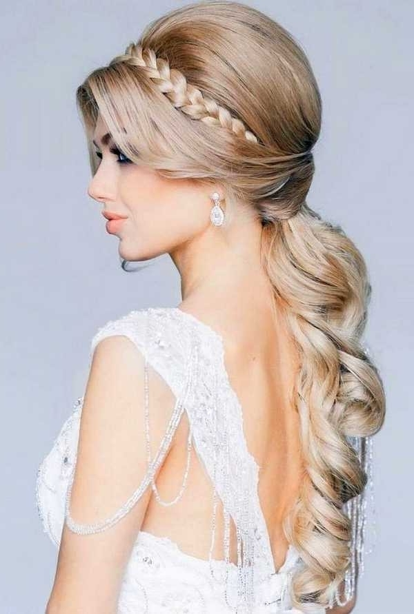 Short Hair Wedding Styles Bridesmaid For Wedding Hairstyles – Women Throughout Wedding Hairstyles For Long And Short Hair (View 9 of 15)