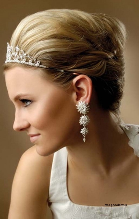 Short Hair Wedding Styles With Tiara Beautiful 23 Perfect Short Inside Wedding Hairstyles For Short Hair With Tiara (View 13 of 15)