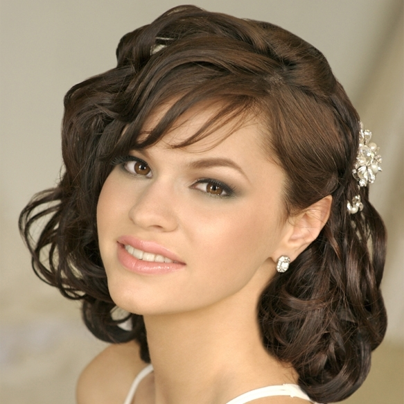 Short Hairstyles: Best Indian Hairstyles For Short Hair Traditional Intended For Indian Wedding Hairstyles For Short Curly Hair (View 3 of 15)