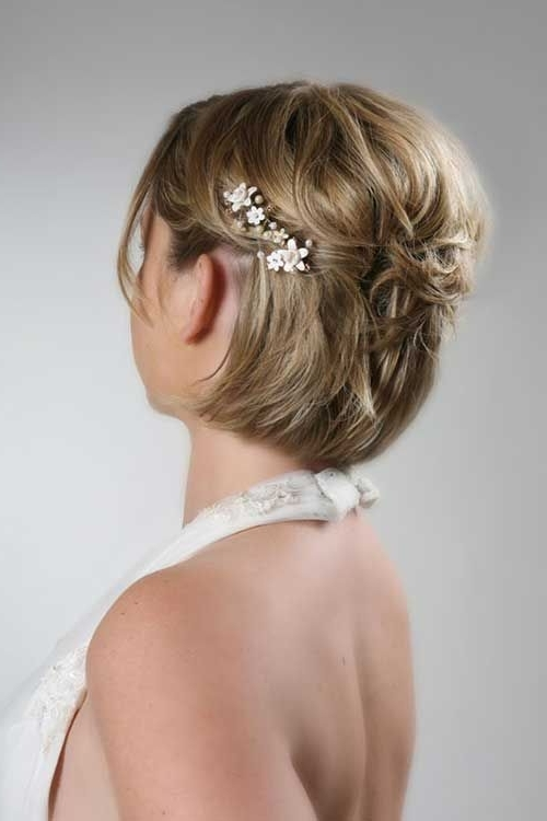 Short Simple Hairstyles For Brides | Hair And Make Up | Pinterest Regarding Elegant Wedding Hairstyles For Short Hair (View 11 of 15)