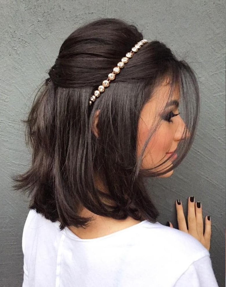 Short To Medium Length Wedding Hairstyles – Beautiful Bride In Short For Wedding Hairstyles For Short To Mid Length Hair (View 15 of 15)