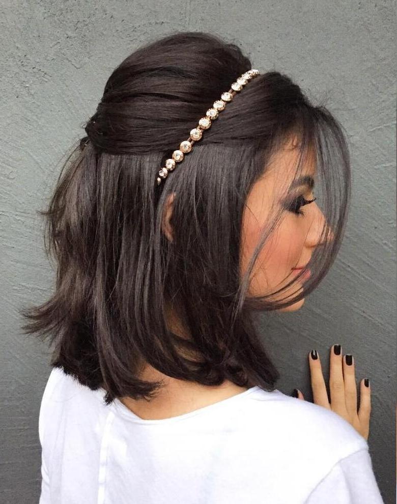 Short To Medium Length Wedding Hairstyles – Beautiful Bride In Short Inside Wedding Hairstyles For Short To Medium Length Hair (View 13 of 15)