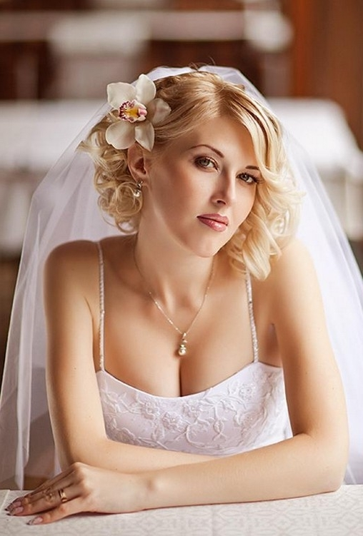 Short Wedding Hairstyle Ideas – 22 Bridal Short Haircuts – Pretty Inside Wedding Hairstyles For Long Straight Hair With Veil (View 9 of 15)