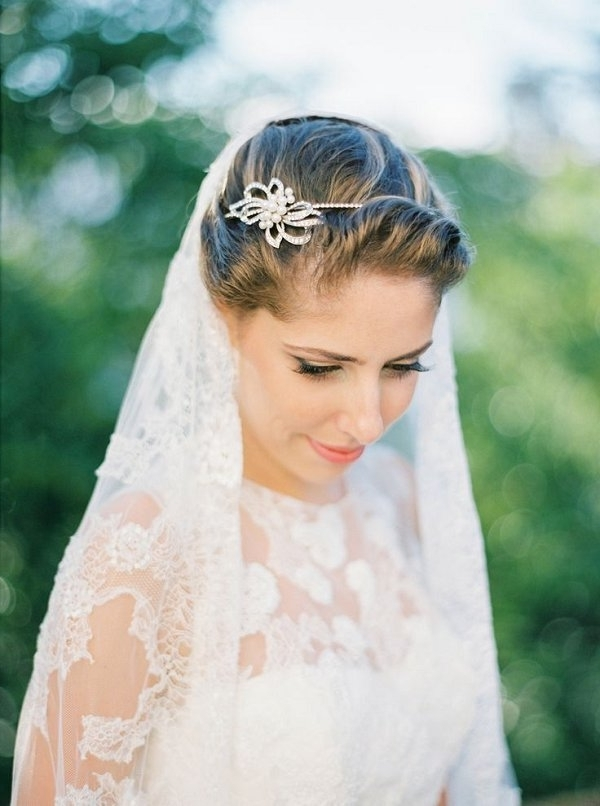 Simple Wedding Updo Hairstyle With Headpiece And Veil | Deer Pearl Within Wedding Hairstyles With Headband And Veil (View 14 of 15)