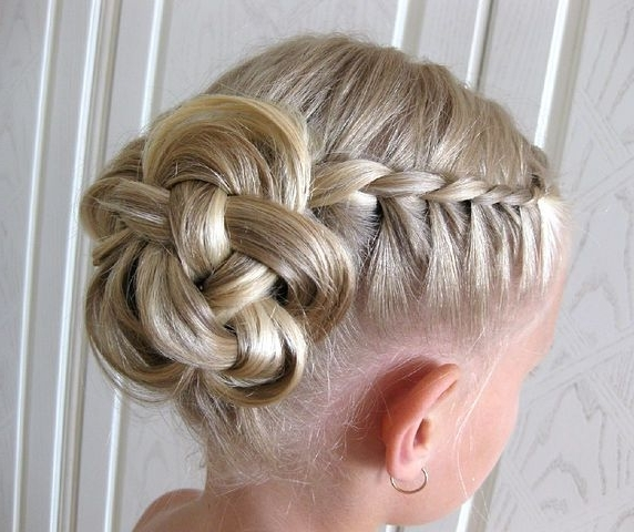 So Pretty! Thinking About Doing This For My Flower Girls Now Intended For Wedding Hairstyles For Kids (View 4 of 15)