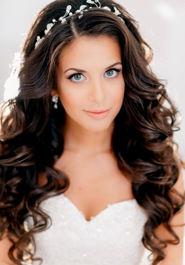 Striking Loose Curls Wedding Hair Long Curly Hairstyles Bridal For Pertaining To Wedding Hairstyles For Long Loose Curls Hair (View 11 of 15)