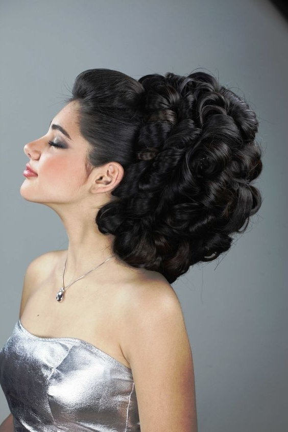 Stunning Arabic Bridal Hairstyles! Pertaining To Arabic Wedding Hairstyles (View 11 of 15)