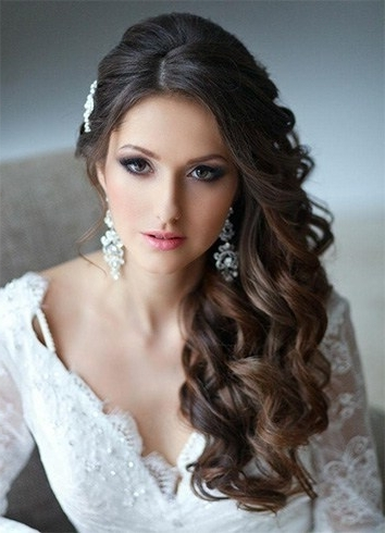 Stunning Vintage Hairstyles For Weddings In Summer Pertaining To Retro Wedding Hairstyles For Long Hair (View 13 of 15)