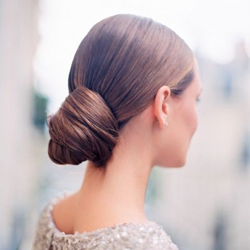 The Best Wedding Hair Tips For Wearing A Chignon! With Regard To Chignon Wedding Hairstyles (View 14 of 15)
