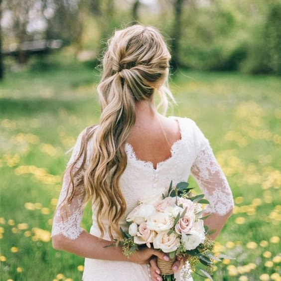 The Best Wedding Hair Tips For Wearing A Side Ponytail! Inside Wedding Hairstyles With Side Ponytail Braid (View 12 of 15)