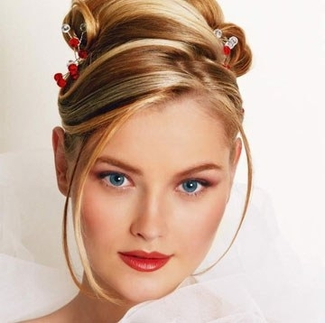 Top 7 Tips For Wedding Hairstyles Round Faces – My Bride Hairs Pertaining To Wedding Hairstyles For Round Face (View 11 of 15)