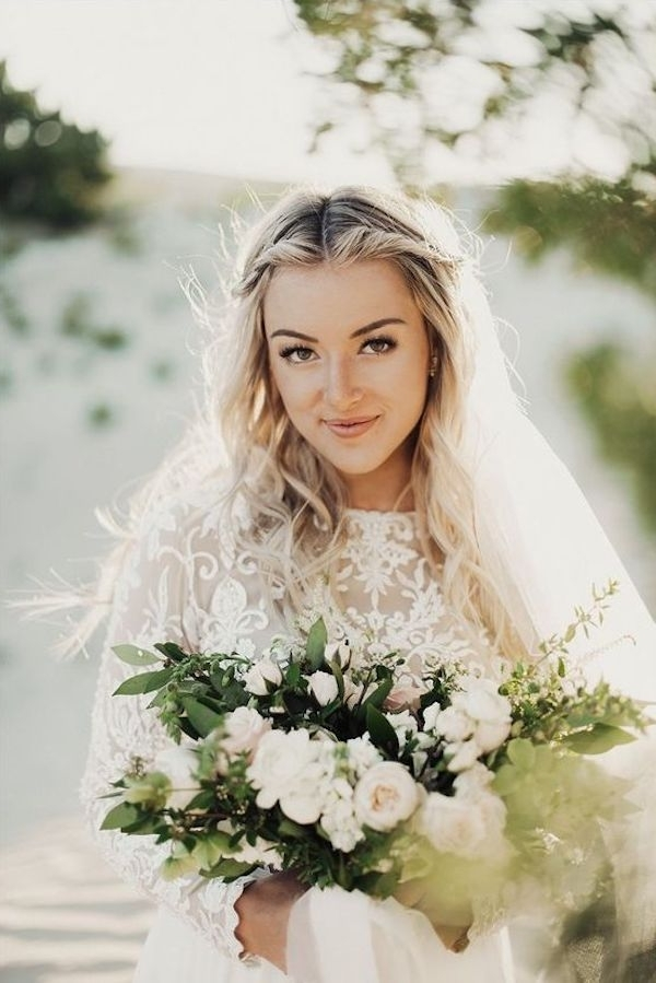 Top 8 Wedding Hairstyles For Bridal Veils With Wedding Hairstyles With Veil And Flower (View 12 of 15)