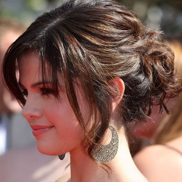 Trendy Messy Updos Hairstyles With Bangs | Updos For Medium Length In Wedding Hairstyles For Shoulder Length Hair With Fringe (View 11 of 15)