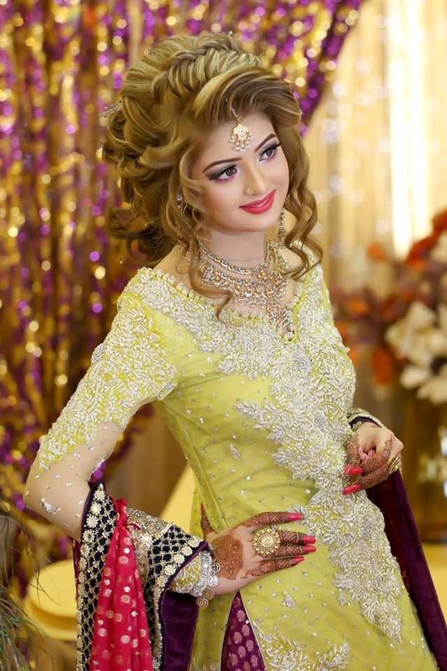 Trendy Pakistani Bridal Hairstyles 2018 – New Wedding Hairstyles Look With Regard To Pakistani Wedding Hairstyles (View 10 of 15)