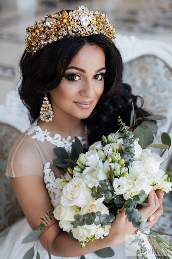 Vinatge Long Wavy Wedding Hairstyle With Gold Pricess Crown | Deer Inside Wedding Hairstyles For Long Hair With Crown (View 3 of 15)