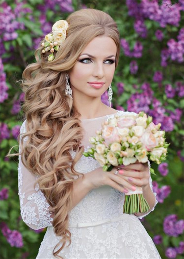 Wavy Long Wedding Hairstyle With Pastel Flowers | Deer Pearl Flowers Intended For Long Wedding Hairstyles With Flowers In Hair (View 12 of 15)
