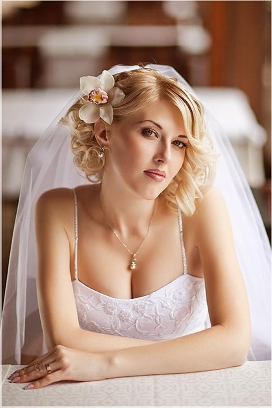 Wedding Hairstyle For Chin Shoulder Length Hair | Special Occasion Intended For Bridal Hairstyles For Short Length Hair With Veil (View 11 of 15)