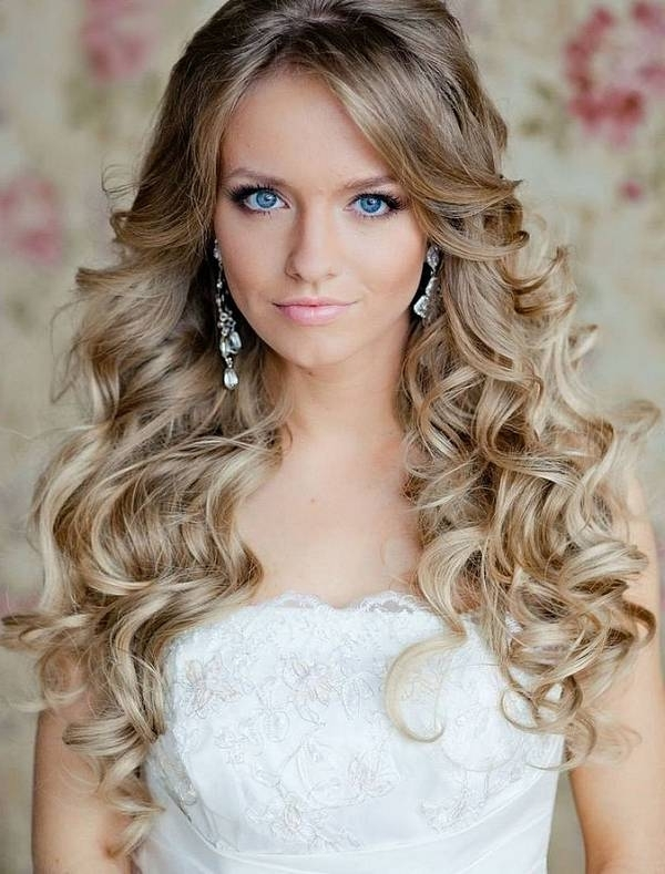 Wedding Hairstyle In Gorgeous Long Wavy Look With Wedding Hairstyles For Long Wavy Hair (View 5 of 15)