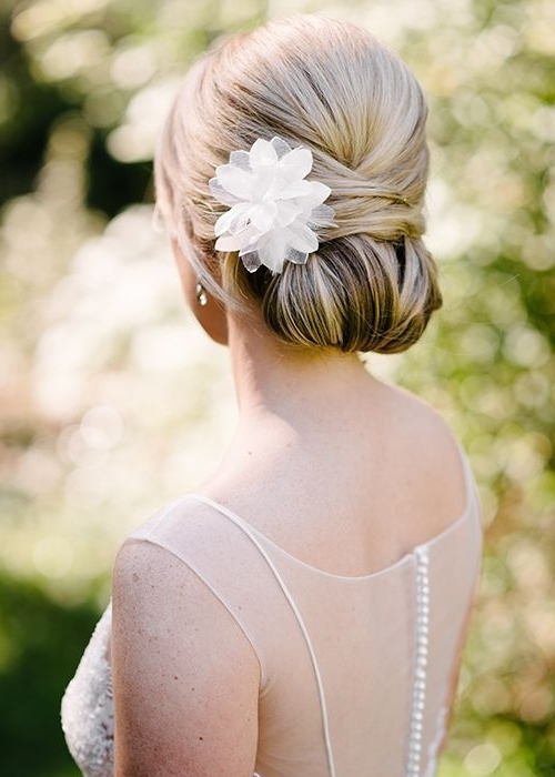 Wedding Hairstyles: 8 Luxe Looks Suited To Every Bridal Style For Classic Wedding Hairstyles (View 2 of 15)