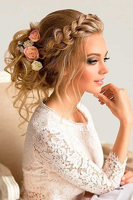 Wedding Hairstyles For Bridesmaids With Short Hair Elegant Short Throughout Wedding Hairstyles For Bridesmaids (View 11 of 15)