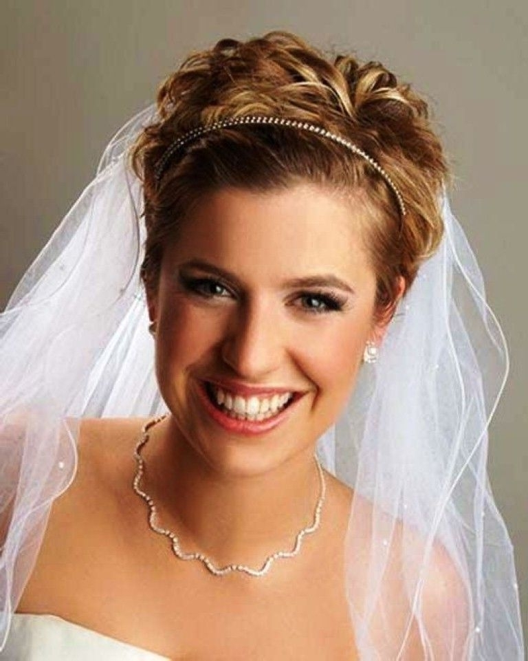 Wedding Hairstyles For Short Hair With Tiara And Veil : Wedding With Wedding Hairstyles For Short Hair With Veil (View 8 of 15)