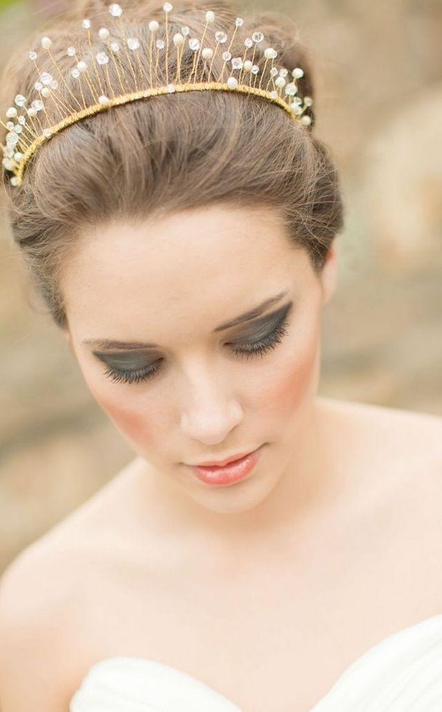 Wedding Hairstyles For Short Hair With Tiara – Skyranreborn In Wedding Hairstyles For Short Hair With Tiara (View 12 of 15)