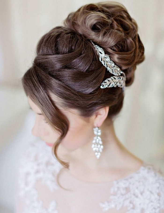 Wedding Hairstyles For The Modern Bride – Modwedding With Regard To Modern Wedding Hairstyles (View 5 of 15)