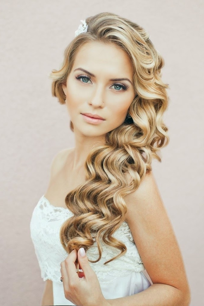 Wedding Hairstyles Ideas: Curly Fall Down Long Modern Wedding Throughout Modern Wedding Hairstyles (View 2 of 15)