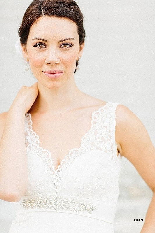 Wedding Hairstyles: Lovely Hairstyles For Halter Top Wedding Dresses Inside Wedding Hairstyles For V Neck Dress (View 10 of 15)