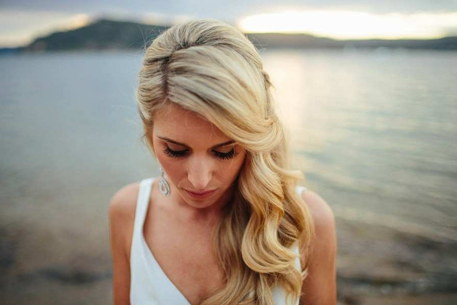 Wedding Hairstyles On The Side For Long Hair New Bride S Hair Pulled With Wedding Hairstyles For Long Hair Pulled To The Side (View 9 of 15)