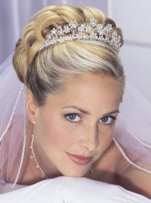 Wedding Hairstyles Updos With Veil And Tiara | Best Wedding Hairs Intended For Wedding Hairstyles For Short Hair With Veil And Tiara (View 14 of 15)