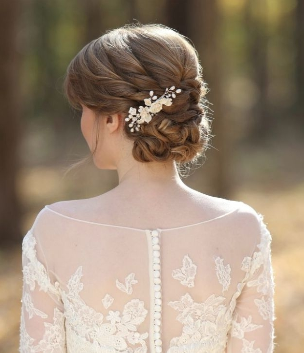 Wedding Hairstyles With Chic Elegance – Modwedding Throughout Classic Wedding Hairstyles (View 4 of 15)