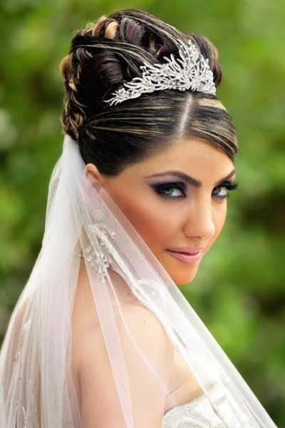 Wedding Hairstyles With Veil Tiara 3 For Wedding Hairstyles With Veil And Tiara (View 12 of 15)