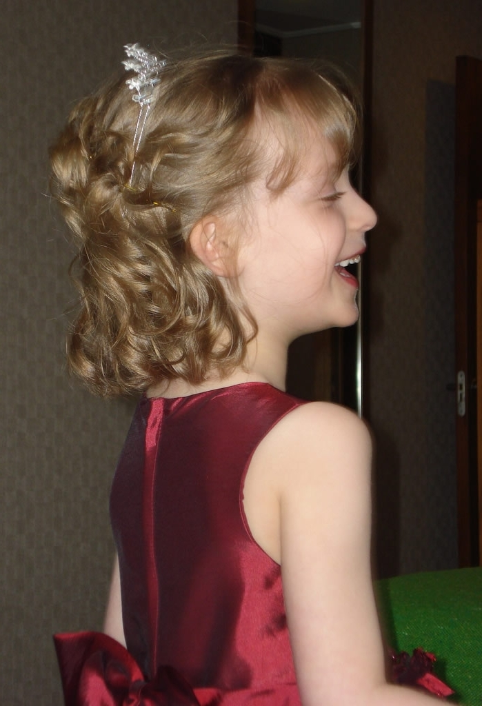 Wedding Hairstyles Young Bridesmaids | Wedding's Style Intended For Wedding Hair For Young Bridesmaids (View 7 of 15)