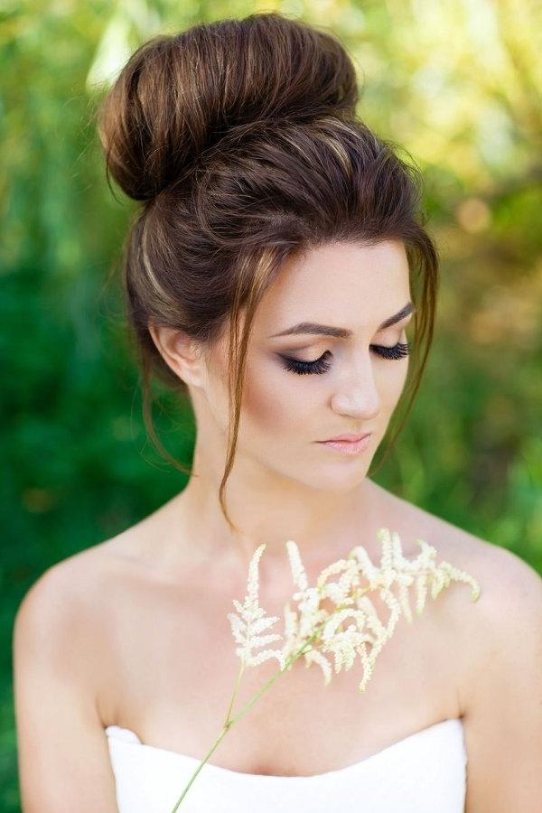 Wedding Top Knot Bun Hairstyle   Deer Pearl Flowers In Knot Wedding Hairstyles (View 8 of 15)