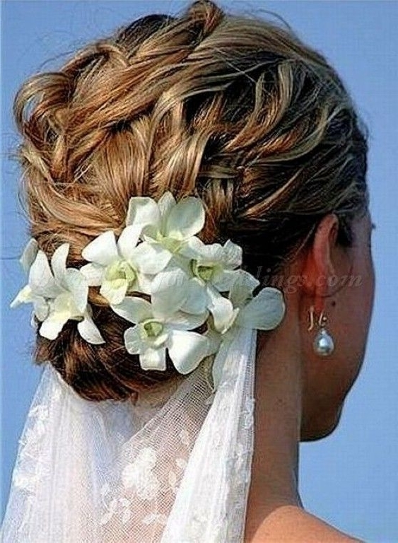 Wedding Updos For Medium Length Hair | Beach Wedding Hairstyles Intended For Beach Wedding Hairstyles For Shoulder Length Hair (View 15 of 15)