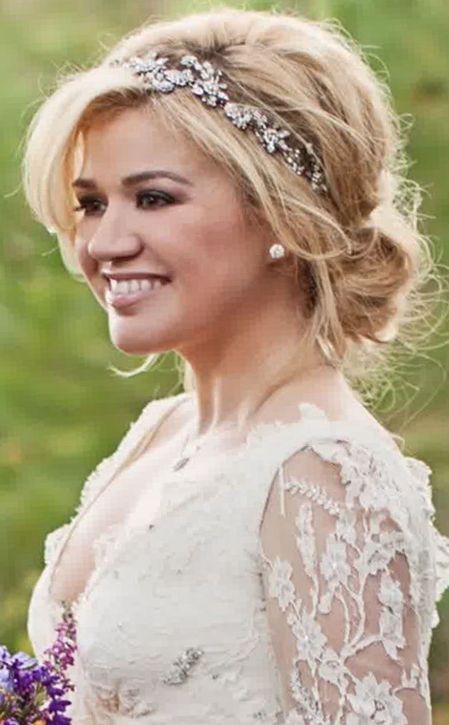 Your Guide To The Best Hairstyles – New Ideas For 2018 Inside Wedding Hairstyles For Shoulder Length Hair With Tiara (View 5 of 15)
