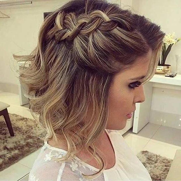 17 Chic Braided Hairstyles For Medium Length Hair | Stayglam For Most Current Side Braid Hairstyles For Medium Hair (View 8 of 15)