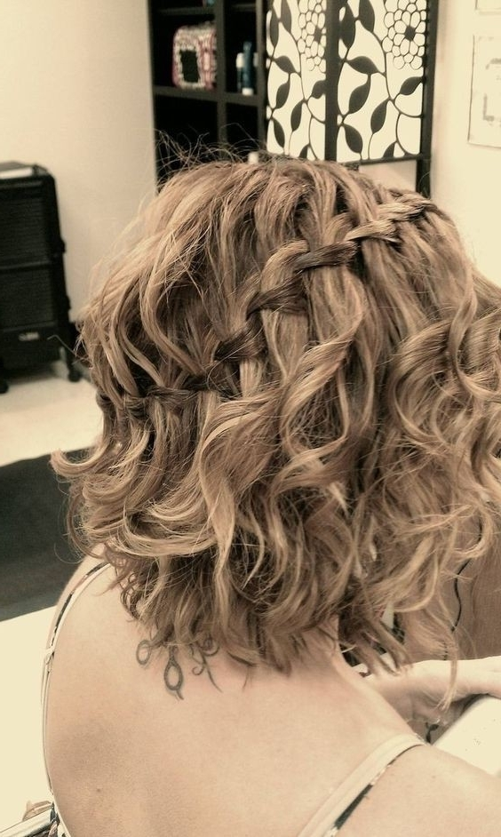 21 Gorgeous Homecoming Hairstyles For All Hair Lengths – Popular Within Current Braided Updo Hairstyle With Curls For Short Hair (View 7 of 15)