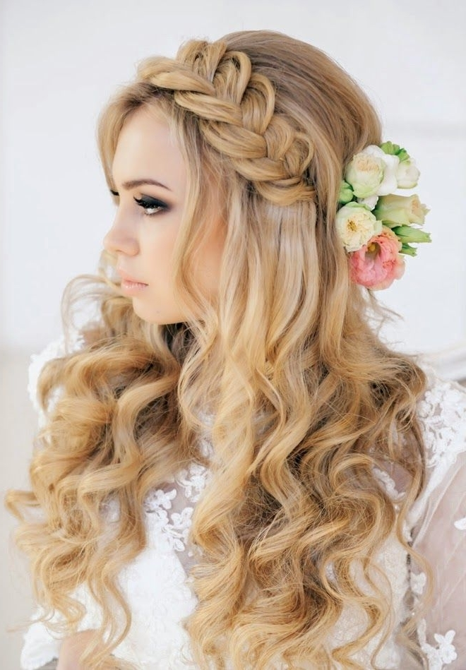 25 Most Attractive And Beautiful Half Up Half Down Hairstyles In 2018 Braided Crown With Loose Curls (View 6 of 15)