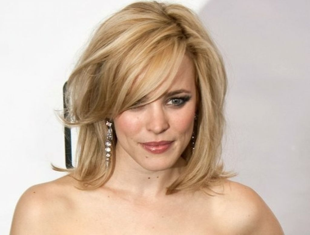 30 Most Dazzling Medium Length Hairstyles For Thin Hair – Haircuts In Most Popular Brunette Pixie With Feathered Layers (View 13 of 15)