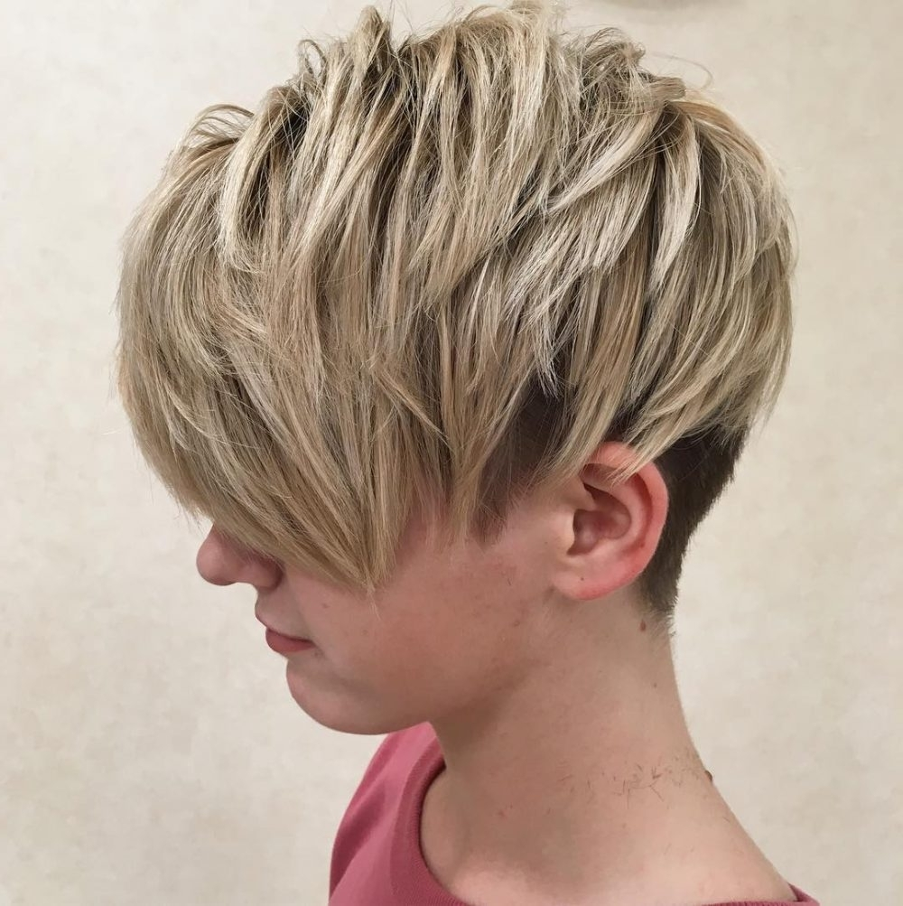 47 Popular Short Choppy Hairstyles For 2018 Inside Most Popular Tapered Pixie With Maximum Volume (View 4 of 15)
