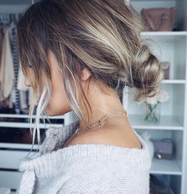 5 Quick And Easy Low Bun Hairstyles For A Busy Morning – Vpfashion Inside Best And Newest Casual Bun With Highlights (View 12 of 15)