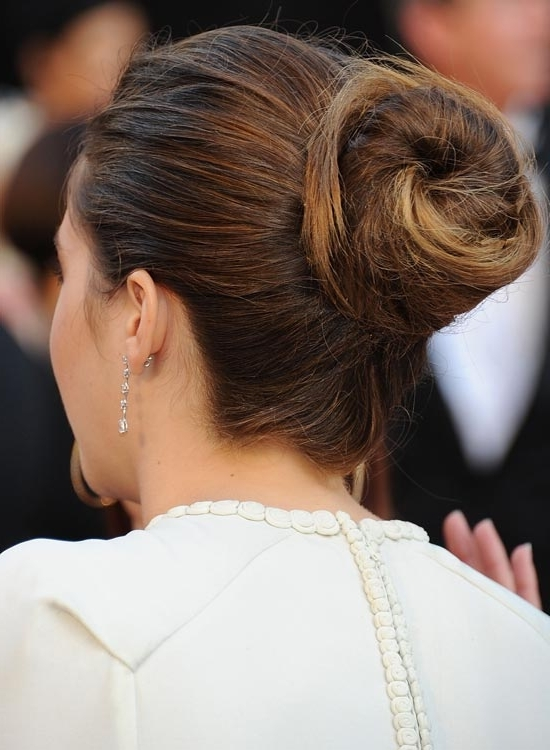 50 Gorgeous Short Updo Hairstyles Throughout Latest Casual Bun With Highlights (View 8 of 15)