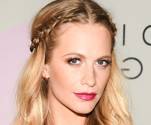 9 Middle Part Hairstyles Every Cool Girl Needs To Know Throughout 2018 Middle Part Braided Hairstyles (View 6 of 15)