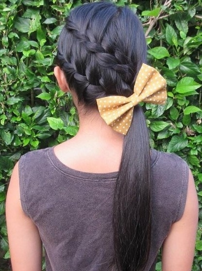 Featured Photo of Diagonally Braided Ponytail